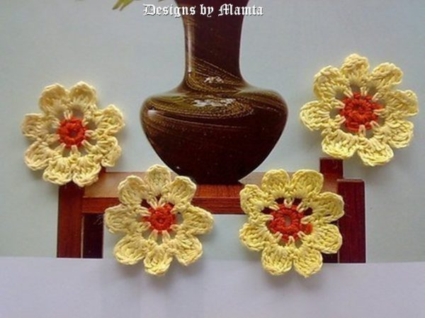 8 Petal Flower Crochet Pattern