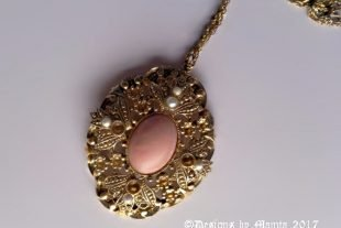 AVON Pendant Necklace Vintage Jewelry