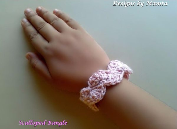 Crochet Scalloped Bangle Pattern