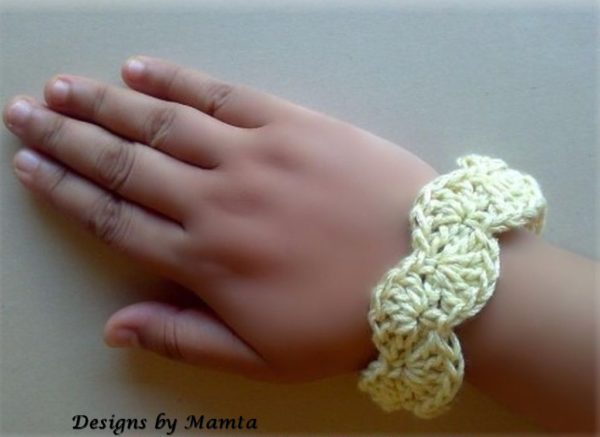 Scalloped Bangle Crochet Jewelry Pattern